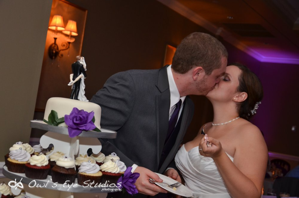 Hudson Valley Wedding DJ Bri Swatek Cake Cutting Links at Union Vale Owl's Eye Studios 1000