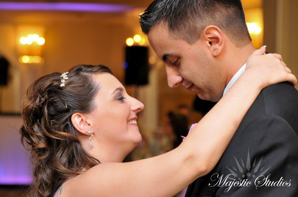 Hudson Valley Wedding DJ Bri Swatek First Dance Villa Borghese Majestic Studios