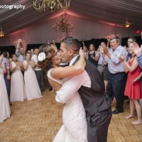 Hudson Valley Wedding DJ Bri Swatek Last Dance Grandview Courtesy of Alicia King Photography VMNZ