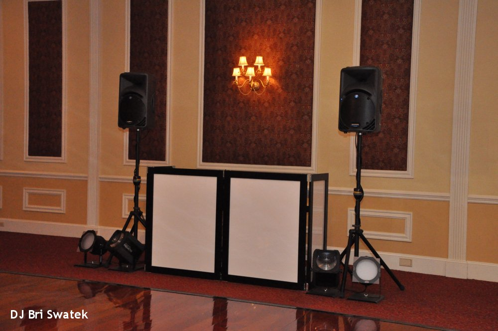 Hudson Valley Wedding DJ Bri Swatek Setup Landscape Grandview