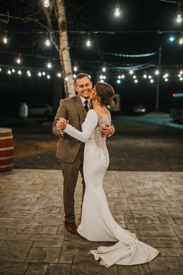 Hudson Valley Wedding DJ Bri Swatek Last Dance Dawn Honsky Saugerties Steamboat Co MHDK